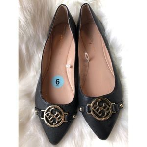 BCBG pointed toes leather flats